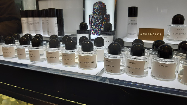 We tried LOTS of beautiful Byredo perfumes at Harrods!